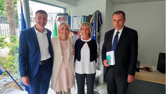 Vie locale l ambassadrice d italie en france l coute - Chambre de commerce italienne en france ...