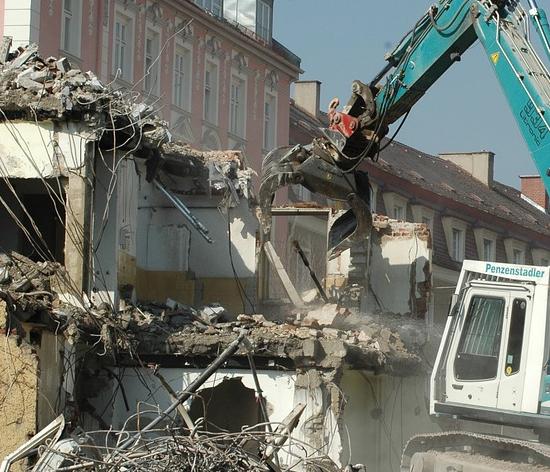 Prévention contre l'habitat en péril : La Ville de Nice proposera au prochain conseil municipal d'intensifier ses actions